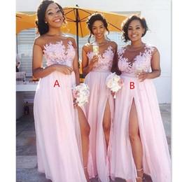 Großhandel Günstige Country Blush Pink Brautjungfernkleider 2019 Sexy Sheer Jewel Hals Spitze Applikationen Brautjungfer Kleider Split Formale Abendkleider tragen