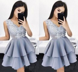 vintage tires Canada - 2019 New Tired Mini Short Homecoming Dresses Chic V-Neck Party Gowns Cocktail Dresses Short Prom Dress with Lace Appliques