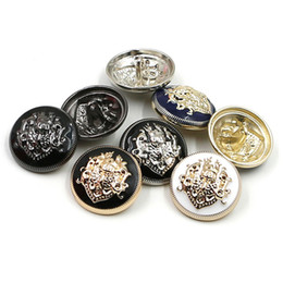 $enCountryForm.capitalKeyWord NZ - 100pcs lot 20 mm retro Men's Windbreaker metal buttons British style double Lions round buttons with feet suit buttons for sewing clothes