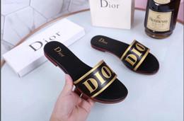 Top Männer Frauen Sandalen mit Richtigen Blumenkasten Staubbeutel Designer Schuhe schlange drucken Dia Sommer Mode Breite Flache Sandalen Slipper im Angebot