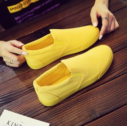 Wholesale Summer casual breathable canvas shoes men and women shoes couple a pedal set foot small yellow shoes08