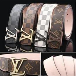 Ingrosso 2018 Sup Design Belt Uomo Cinture di marca Donna Fashion Designer Cintura di lusso Cow Genuine oro argento nero fibbia