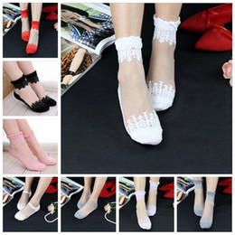 Ladies invisibLe socks online shopping - Spring autumn women cotton lace socks female Invisible socks Silica gel non slip one size lady socks