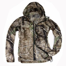 $enCountryForm.capitalKeyWord NZ - Bionic Camouflage Skin Shirt Ultra-Thin Breathable Clothes Men Outdoor Camping Hunting Fishing Quick Dry Sunscreen Hooded Jacket