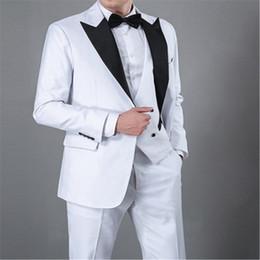 Images Fashionable Suits Australia - Fashionable White Groomsmen Peak Lapel Groom Tuxedos Men Suits Wedding Prom Dinner Best Man Blazer(Jacket+Pants+Tie+Vest) A180