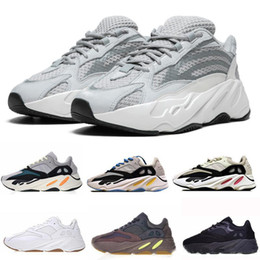 Wholesale Wave Runner Kanye West Glow in Dark Reflective line New Running shoes size With bottom and M material