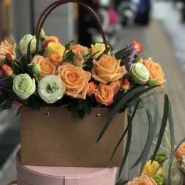 $enCountryForm.capitalKeyWord Australia - PVC flower carrying bag rectangular kraft paper bag flower box with handle waterproof bouquet shop rose party decoration