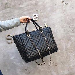 $enCountryForm.capitalKeyWord Australia - Luxury Handbags Women Bags Designer Tote 2018 Casual PU Leather Diamond Lattice Chain Large Women Messenger Bags Shoulder Bag