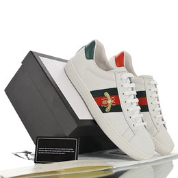 Chinese  2019 Designer Leather Sneaker Trainer Bees Tiger For Women Men Black Red Triple Fashion Runner With Dust Bag manufacturers