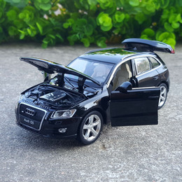 Model Car Lighting Australia - 1:32 Scale Diecast Alloy Metal SUV Car Model For Q5 Collection Model Pull Back Toys Car With Sound&Light