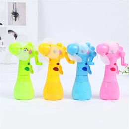 SmalleSt electric fanS online shopping - Small Hand Operated Electric Fan Spray Water Fans Cartoon Giraffe Children Hot Summer Toys Eco Friendly gf O1