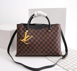 $enCountryForm.capitalKeyWord Australia - Men s travel Bags Women bag real Leather Handbags Leather keepall 45 Shoulder Bags totes 50040 size33x25x11.5cm