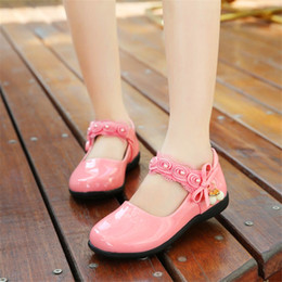 Korean Kids wedding dresses online shopping - Summer Girls Shoes for Kids Dress Princess Sheos Pink Leather Sandals Flowers Fashion Korean Children Black Flat Shoes Wedding
