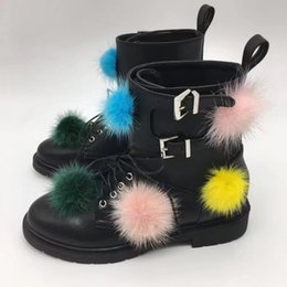 Wholesale Hot Sale Leather Combat Ankle Boots Women Multicolor Fur Pompom Martin Boots Flats Buckle Hobnail Motorcycle Botas Ladies Oxfords Creeper