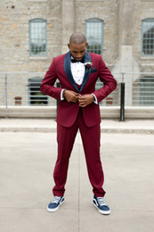 Discount top classic suits for men - 2019 Burgundy Prom Dresses For Men Three Pieces Handsome Mens Suits With Black Shawl Lapel Wedding Tuxedos Custom Mdae T