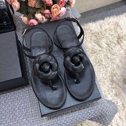 $enCountryForm.capitalKeyWord Australia - Top Quality Luxury Designer Slippers Gear Thick Bottom Men Black White Beach Slides Fashion Scuffs Sandals Indoor Outdoor Shoes 2019144