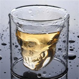 Discount glass skull beer stein - Creative Crystal Cup Heat-resistant Skull Head Double Glass Wine Glasses Cup Decoration Party Halloween Beer Whiskey Tra