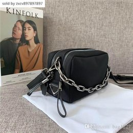 $enCountryForm.capitalKeyWord Australia - Global Free Shipping Classic Luxury Accessories Fabric Leather Shoulder Bag Highest Quality Metal Chain Tote Size 20cm 13cm