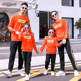 boys active pants Canada - Mom Dad Daughter Son Sports Clothing Sets Mother Father Kids Boy Girls Jumper + Pants Suits 2020 Kids Tracksuit Family Match Outfits S643