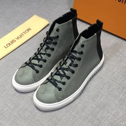 Spring Fall Canvas Shoes Australia - England Style Fashion Men Canvas Shoes High Top White Round Toe Male Casual Shoes Spring and Autumn Boys Flat Sneakers