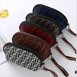 Mulheres Designer de Saco de Cosmética Marca Fends Bolinho Sacos de Maquiagem FF carta Bolsas Carteiras de Viagem de Luxo Organizador de Higiene Pessoal Bolsa ClutchB7201 venda por atacado