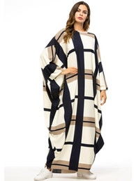 Casual Bat Sleeve Maxi Dress Print Plaid Muslim Abaya Kimono Long Robe Gowns Jubah Ramadan Middle East Islamic Prayer Clothing on Sale