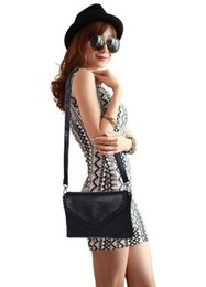 $enCountryForm.capitalKeyWord Australia - Fashion Handbags Women Bags Designer Ladies' Pu Leather Shoulder Bag for Women 2018 Fashion Bee Decoration
