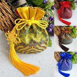 $enCountryForm.capitalKeyWord NZ - Handmade Chinese knot Tassel Silk Brocade Pouch Jewelry Gift Bags High Quality Satin Drawstring Pouches Sachet 2pcs lot