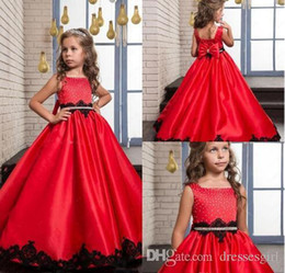 $enCountryForm.capitalKeyWord Australia - Red Flower Girls Dresses Square With Bow Beaded Pageant Gowns Back Zipper Peplum With Black Lace Applique A-Line Custom Made Party Gowns