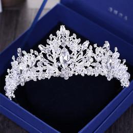 Perle di strass barocco di lusso cuore tiara nuziale corona di cristallo d'argento diadema velo diadema accessori per capelli da sposa copricapo c19022201 in Offerta
