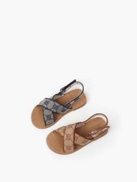 Vente en gros Designer enfants Sandales 2020 nouvelles chaussures pour enfants des lettres de mode de haute qualité chaussures enfants taille 26-35 Livraison gratuite 042701