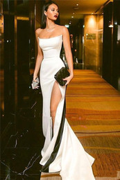 $enCountryForm.capitalKeyWord Australia - Evening Gowns Prom Dresses Side Split Sexy Long Prom Dresses Strapless Zipper Back Black and White Formal Party Evening Gowns