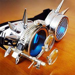 Großhandel Industrie-Dampf-Punk Goggles Halloween-Partei Cosplay Werkzeuge Sonnenbrille Adjustable Drei schwere Objektive 19 * 11.5 * 9.1 (cm)