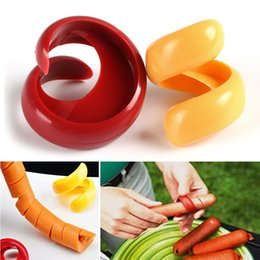 $enCountryForm.capitalKeyWord Australia - 2pcs set Fancy Sausage Cutter Food Grade Plastic Manual Spiral Barbecue Hot Dog Cutter Slicer Kitchen Gadgets Tools