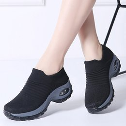 Wholesale Women summer sneakers sock shoes ladies flats platform breath mesh slip on tenis feminino chaussure femme creepers shoes