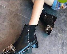 Ingrosso Nuovo arrivo High Top Sneakers Donna Casual Scarpe Red Bottom Boots Ragazze Designer di lusso Scarpe con stivali con borchie appuntiti Stivali invernali BOX