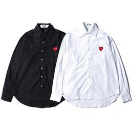 Ingrosso Camicia da uomo di moda di lusso camicia street trend hip hop uomo donna paio camicie nero bianco piccolo cuore rosso stampato comode cime