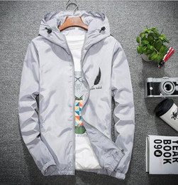 Korean Red Clothes Australia - Spring Autumn Men's Jacket Red Jacket Men's Korean Outerwear Coats Trends Slim Spring Handsome Student Casual Sports Clothes