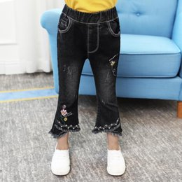$enCountryForm.capitalKeyWord Australia - Fashion Brand Denim Pants For Baby Girl Children Casusl Style Boot Cut Pants Cute Print And Beading Jeans Kids Trousers Ws182
