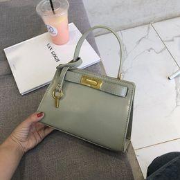 Brief Bags Australia - Luxury Big Capacity Business OL Brief Vintage Handbag Feminina Bags for 2019 Flap Women Crossbody Bag Female Shoulder Bag #1340