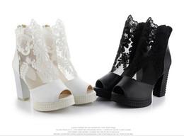 ba5e86003 Белый черный кружева аппликации свадебные туфли на высоких каблуках Женская  обувь свадебные туфли сандалии свадебные туфли Принцесса Сексуальная  Fishmouth ...