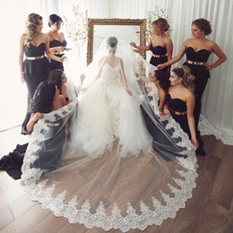 $enCountryForm.capitalKeyWord Australia - Hot Sale Cheap Wedding Veils With Lace Appliqued Edge 2.5M Long Chapel Length Bridal Veil Tulle With Comb For Women Hair Accessories