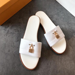 $enCountryForm.capitalKeyWord Australia - Women designer sandal lock it flat mule luxury Slippers Genuine leather designer slides Monogram Giant Summer Flat Flip Flops