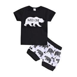 Meninos do bebê Selvagem Um T-shirt do Urso Shorts Roupas 2 pcs Set Animais Trajes Pretos Outwear Treino Ocasional Roupa Do Miúdo Criança B11 em Promoção
