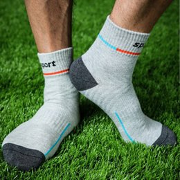 mens cotton tube socks NZ - 20 Pairs Lot One Size Middle Tube Basketball Sports Team Dress Sock Cotton Male Mens Cool Athletic Socks