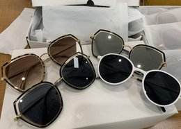 Sun wearing glaSSeS online shopping - Retro COOL Pilot Sunglasses Leopard print sport eye wear UV protection Men Women Mirror Glass unisex sun glasses