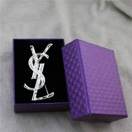 Design Letter Brooch Women Luxury Brooch Suit Lapel Pin Fashion Jewelry Accessories High Quality Epacket Shipping on Sale