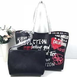006fdd0e8dd7 Бесплатная доставка новый стиль женщины классический мода черный принт  doodling композитный плечо большой размер пригородных сумка