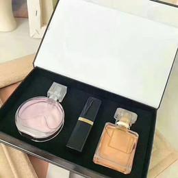 venda por atacado Marca Makeup Set Collection Matte Batom 15ml Perfume 3 em 1 kit cosmético com caixa de presente para mulheres senhora presentes perfumes perfumes