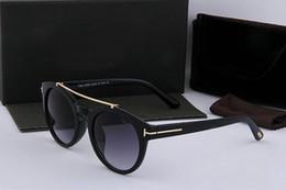 Luxury-Top Quality New Fashion Occhiali da sole per tom Uomo Donna Eyewear Designer Brand Occhiali da sole Obiettivi ford Con scatola originale 0383 in Offerta